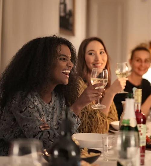 women eating dinner
